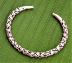 Vintage Silver 925 Handmade Bracelet Depicting Tribal Symbolism with a Technique Called Snake Skin Scales - Weight gr 37