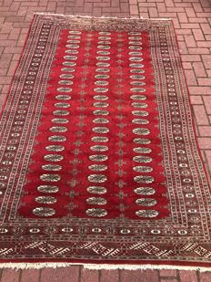 Hand-knotted Bukhara carpet, 160 x 253
