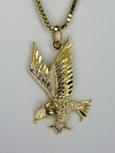 14 kt gold necklace and pendant in the shape of a bird of prey - length: 50 cm - 6.1 g