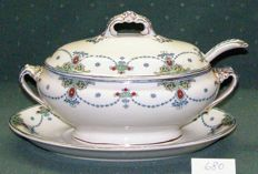 "F. Winkle & Co.   -  Gravy boat with tray and ladle "" CARLTON "" - 1902"