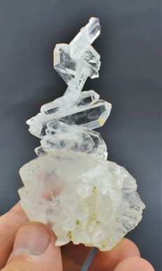 Beautiful unique shape Faden Quartz crystal cluster - 77x41x27mm - 49g