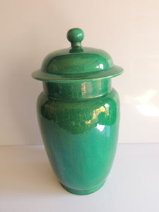 Lidded pot, cracked iridescent emerald green, (H. 36 cm) - China - before 1920 (Republic Period).