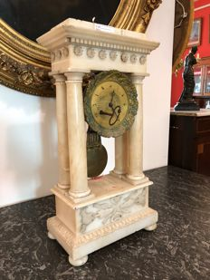 Timepiece in alabaster, 52 cm tall - Napoleon III