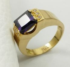 18 kt yellow gold ring with amethyst Size: 22/62