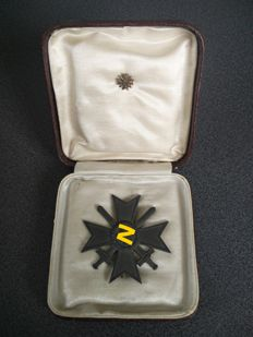 Germany - War merit cross 1st class - in box, with miniature pin - with makers initials nr 4