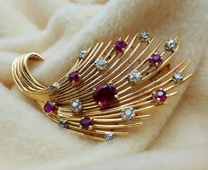 18  K gold Diamond & natural Ruby vintage spray brooch