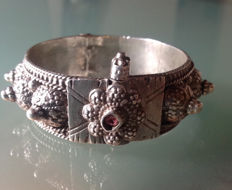 Old Yemen silver bracelet, - Middle East Jewelry,