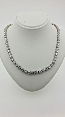 7.88 ct  diamond necklace in 18 k white gold-18 kt gold – Chain Length 37 cm