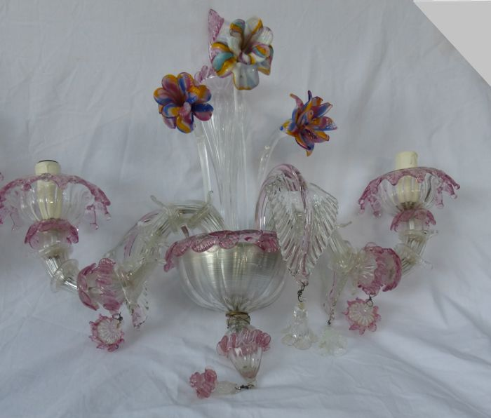 Beautiful and very detailed pair of pink and translucent sconces with multicolour flower, fully hand made in Murano glass.
