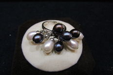 18 kt White Gold and Pearl Ring