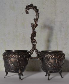 Table salt and pepper shakers in silver metal - c.1870