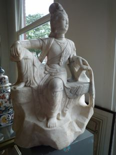 Guanyin, marble - China - mid 20th century