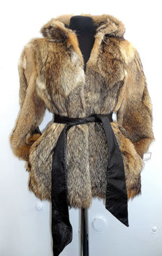 Casual fur jacket fur parka coyote jacket with hood fur trendy