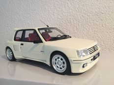 Otto Mobile - Scale 1/18 - Peugeot 205 - Dimma  white
