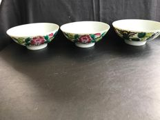 Three Chinese Porcelain Bowls - China - 1st half of the 20th century