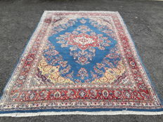 Magnificent Persian Sarough-Okbatan rug.