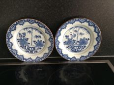 2 porcelain plates - China - 18th century