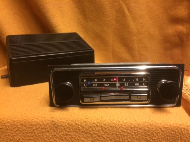 Original Blaupunkt Ludwigshafen M U with Blaupunkt speaker 12v Porsche front and knobs