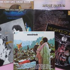 "Woodstock, ""Three Days of peace and Music"" in 3 live albums + 6 albums  (including 3 doubles), total 12 lp's by Jimi Hendrix (2), The Who, CSN&Y, Santana, Richie Havens and Joan Baez (2)"