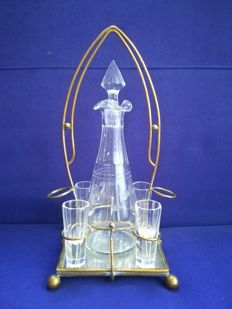 Crystal bottle with its 4 shot glass