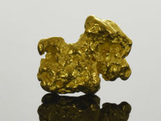 Gold nugget natural - 13.9 x 10.6 x 3.7 mm - 15.78 ct.