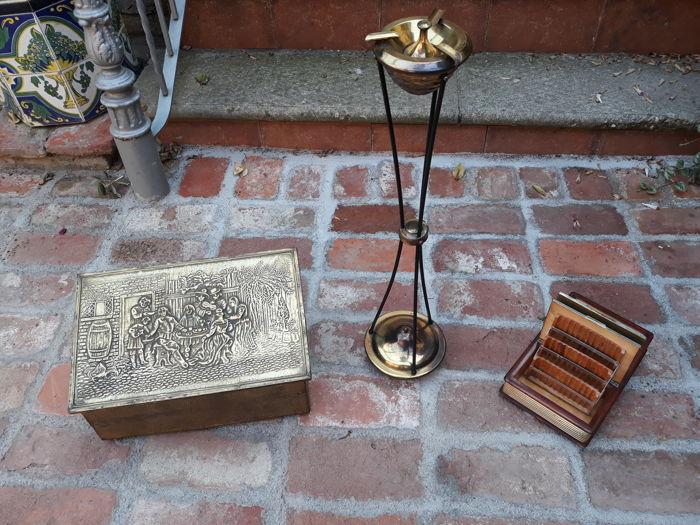 Cigarette box with carillon +Box in hand embossed copper + Art Deco Ashtray