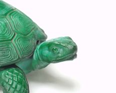 Mario Petrucci - Pressed glass 'Turtle' box - Marbled malachite crystal