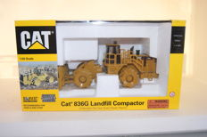 Norscot - Schaal 1/50 - CAT 836G Landfill Compactor - No.55074 - 2002 - Limited Edtion 400 pcs