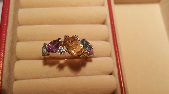 "14 kt white-gold and yellow-gold ladies' ring with diamonds, citrines 1.24 ct, amethyst 0.54 ct, topaz 0.65 ct - size 57, ""no reserve"""
