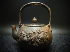Iron Tetsubin kettle - Japan - early 20th century