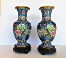 A pair of two large Chinese multicolored cloisonne vases - China - second half of the 20th century.