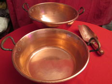 Large red copper bowl, + 1 large 'Bain-Marie' in copper, 1 shovel in red copper, very good condition, handmade, French