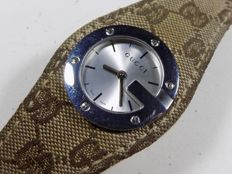 Gucci 104 - Big Size - Embroideried Strap - 2000 - Ladies Wristwatch