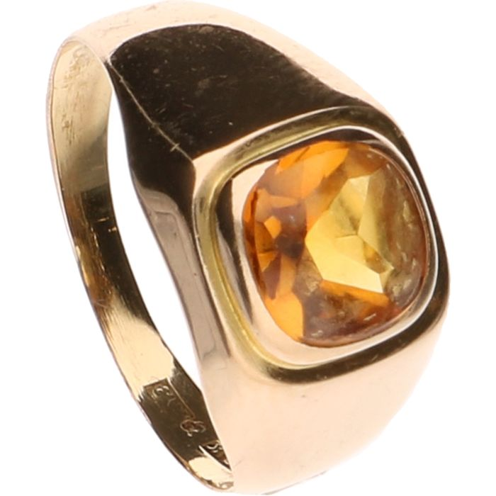 18 kt Yellow gold signet ring set with citrine ring size 16 5