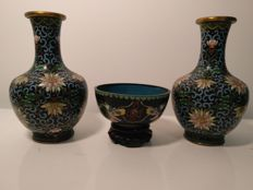Pair of vase and bowl in cloisonné enamel on copper – China – first half of the 20th century.