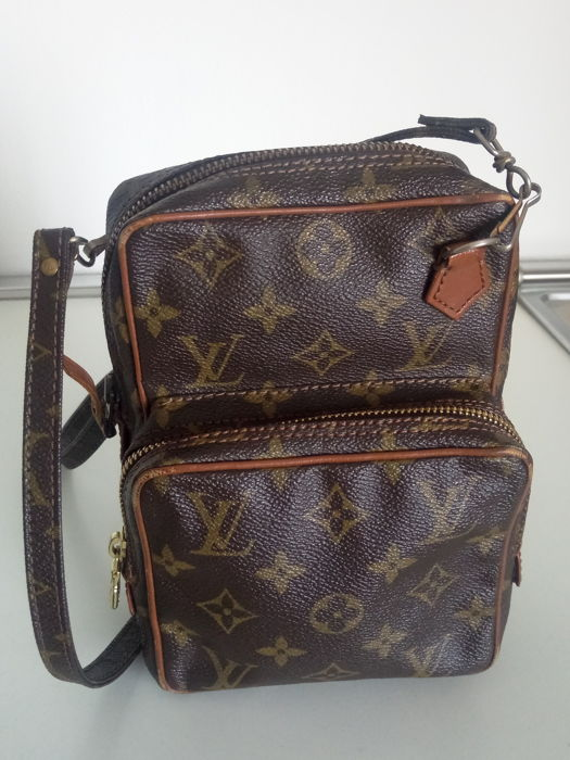 118dfc6e306 Louis Vuitton - vintage shoulder bag - unisex - Catawiki