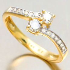 14K Yellow and White Gold Diamond Ring with approx. 0.53 ct in total. Size 54 - No reserve price