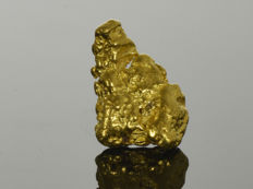 Gold nugget natural - 15.8 x 10.6 x 4.4 mm - 17.95 ct.
