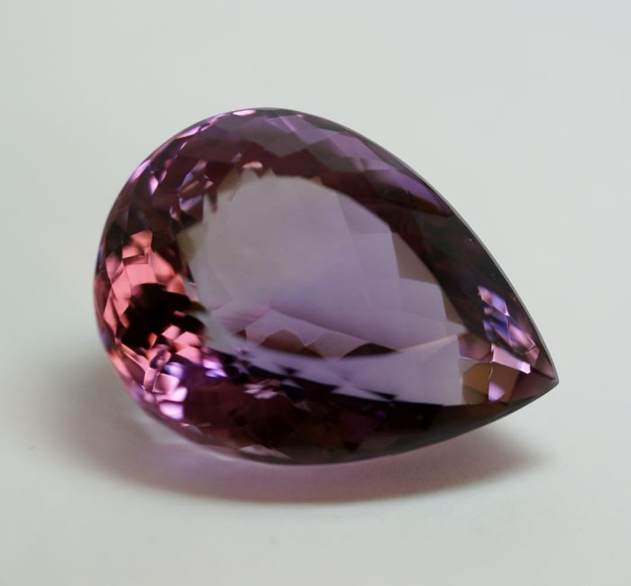 Ametyst - 126,70 ct