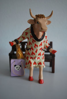 Cow Parade - Gerardio Fuentes and Pedro Sardina - type Cocovia- Medium and Retired