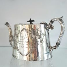 Beautiful silver plated English tea pot ca 1900