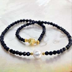 Necklace with facetted sapphires and round South Sea pearls Ø 9.7 mm