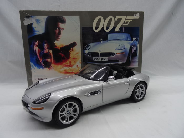 Kyosho Scale 112 Bmw Z8 James Bond 007 The World Is Not