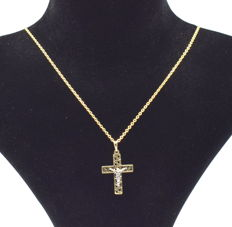 14 carat yellow and white gold necklace  with Cross pendant  45 cm