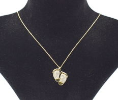 14 carat yellow gold necklace  with Baby foot pendant