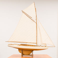 Detailed model of a large-sailed (gaff-rigged) cutter including construction drawing