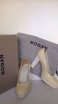 Hogan - elegant winter court shoes in ivory reptile-effect leather, size 35 (IT)