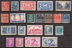 France 1927/34 - selection of 21 stamps incl. Port de La Rochelle and Jacques Cartier - Yvert between no. 243 and 297