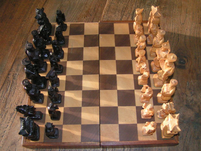 Wooden hand-carved chess set in foldable box from China, Oriental figures