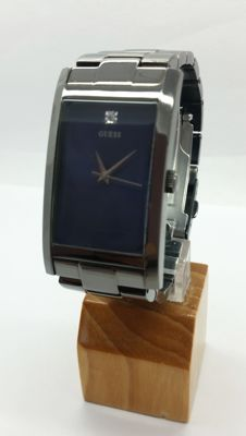 GUESS men's elegant wristwatch - 2010s